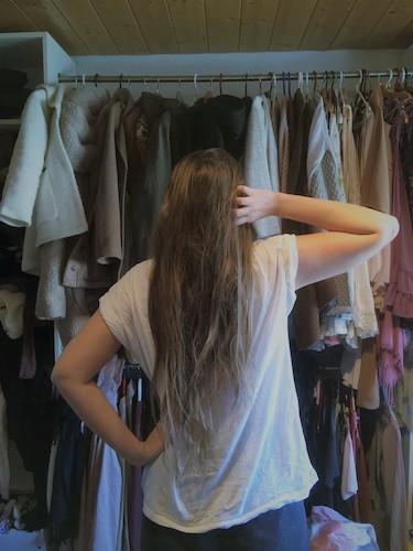 2. Tipp: Kleiderkasten aussortieren (c) Yvonne Waldner
